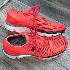 Under Armour run long speedform sneakers
